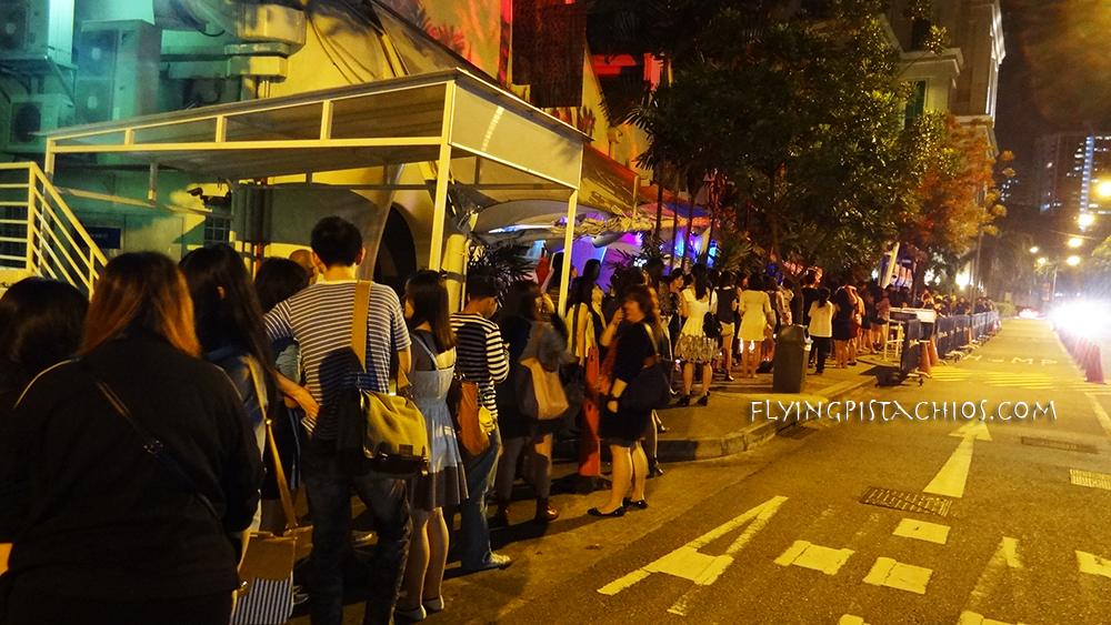 Check out the queue! That's a whole lot of people and a packed event! @Zouk