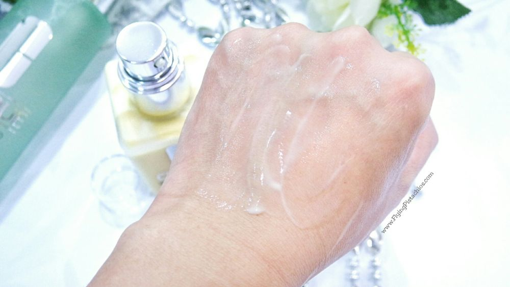 Clinique Dramatically Different Moisturizing Lotion - Melts into thin cooling consistency